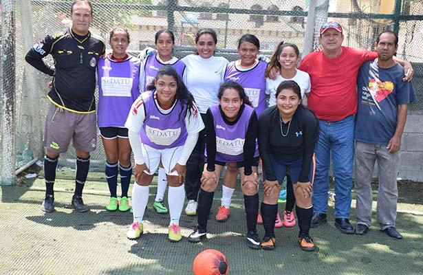 Ganan la Copa * Prepa y Universidad del Atlántico se Corona en el Fut Femenil Inter-Preparatorias