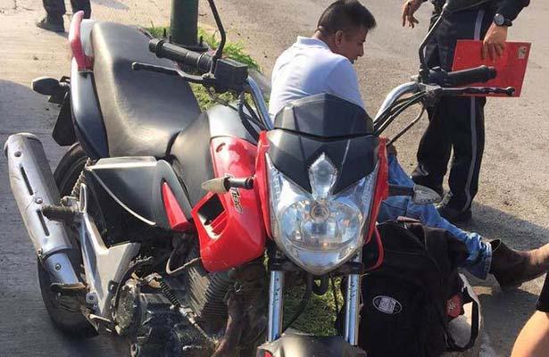 Joven que Viajaba en Motocicleta Resultó Herido en un Accidente
