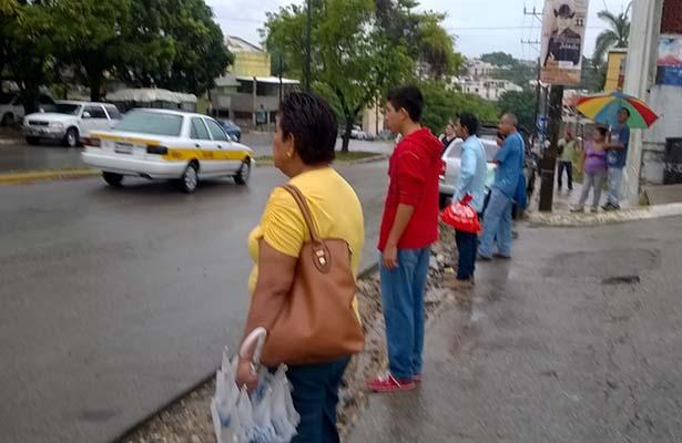 Usuarios del Transporte Público Sufren la Falta del Servicio