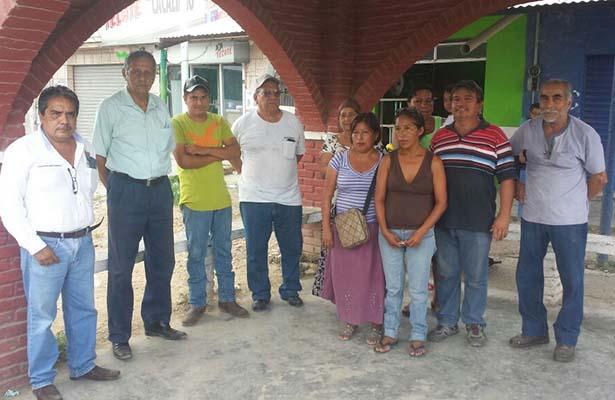 Habitantes de Villa Cacalilao Exigen Mantenimiento a CFE en la Red de Energía Electrica