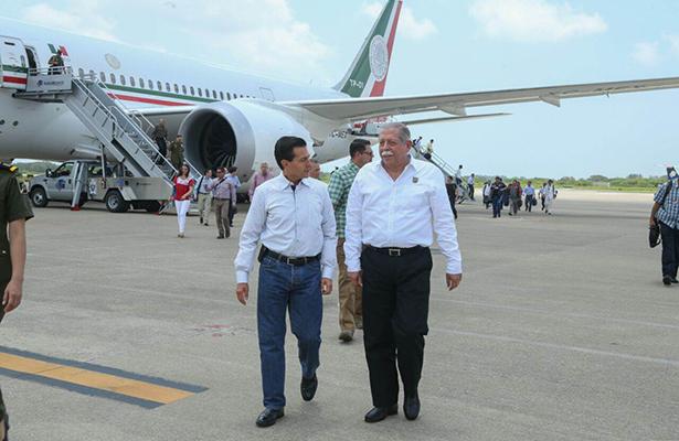Cálida Recepción al Presidente Peña Nieto en Tampico.