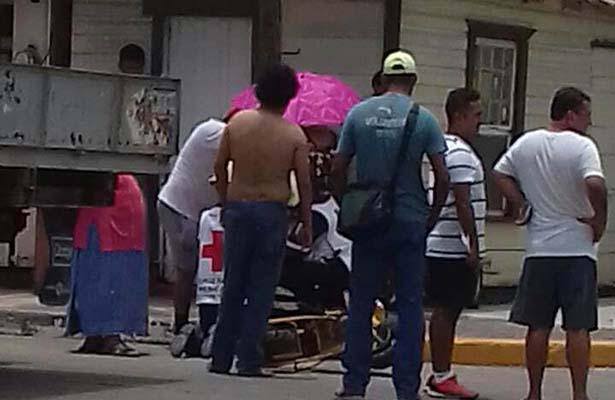 Motociclista Impactado por un Camión
