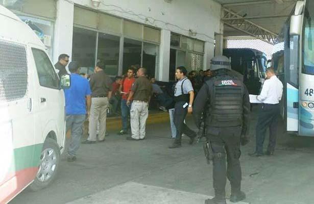 Aseguraron a 20 Migrantes – Detuvieron a Dos Traficantes