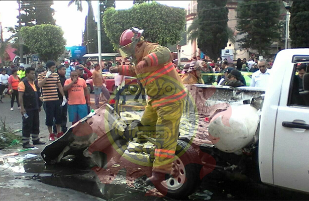 Mueren 2 niños peregrinos tras explosión de tanque de gas en Veracruz