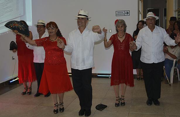 """Agradable velada cultural """"Danzón de los Pies al Corazón"""""""