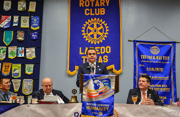 Reconocen Rotarios a Enrique Rivas por gobierno transparente e innovador