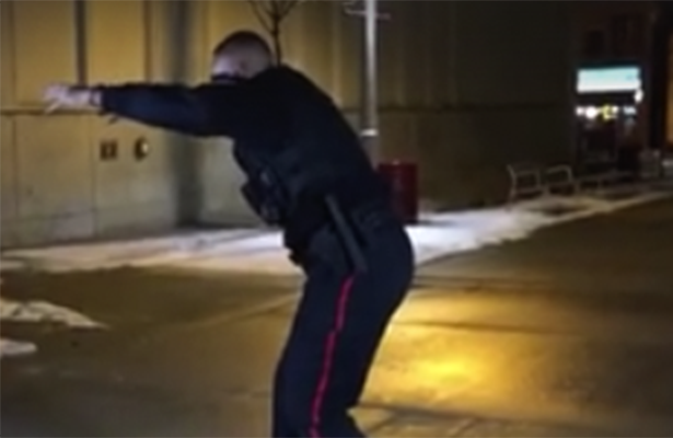 VIDEO: Policia canadiense se vuelve viral