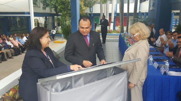 Formaliza Pemex donación de terreno al CETIS 109