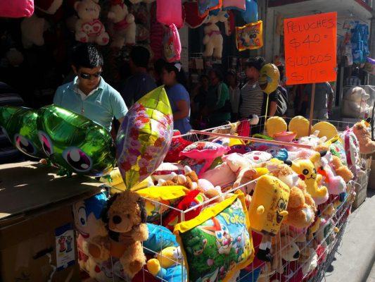 Comercios lanzan irresistibles ofertas en regalos para el Día del Amor y la Amistad
