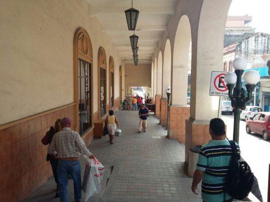Desplaza la tecnología a mecanógrafos de la calle Ribera