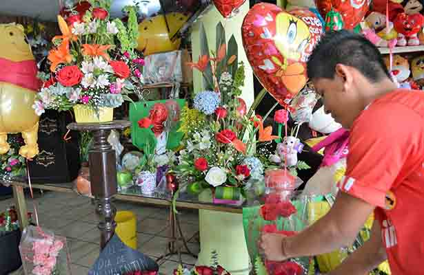 Festejos a San Valentín apuntalan economía local con derrama monetaria por 50 millones de pesos