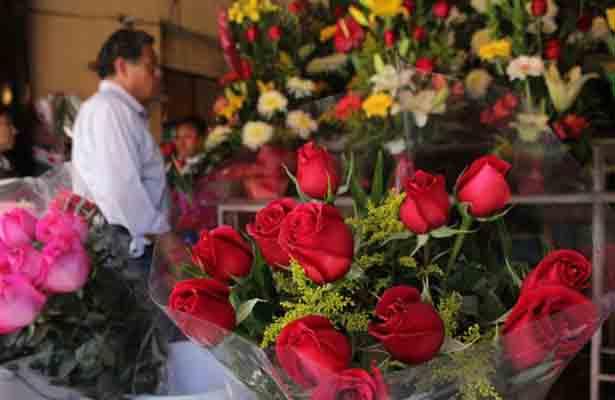 Listos los Floristas Para  el Día de San Valentín