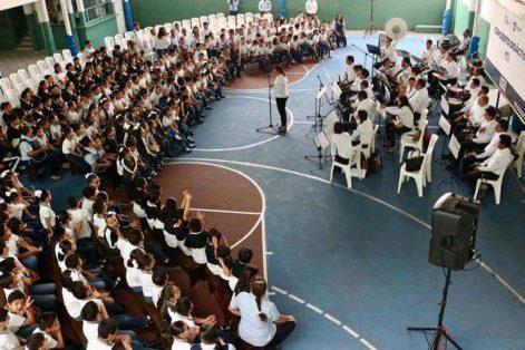 Educan con música en escuelas de Madero
