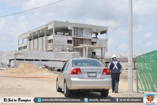 Obreros se niegan a trabajar en construcción del Hospital Civil