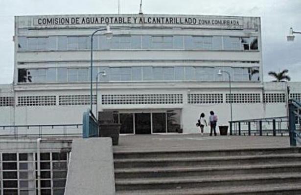 Exhortan a Comapa no suspender suministro del servicio a deudores