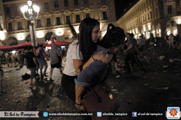 Suman más mil 500 los heridos por estampida en Turín