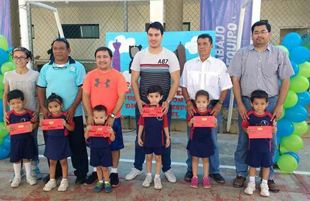 Escuelas de Tampico, Madero y Altamira festejan por adelantado el Día del Padre