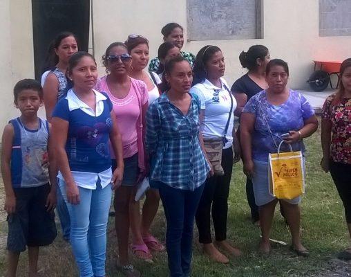Padres de familia se quejan por falta de director y maestros en primaria de Altamira