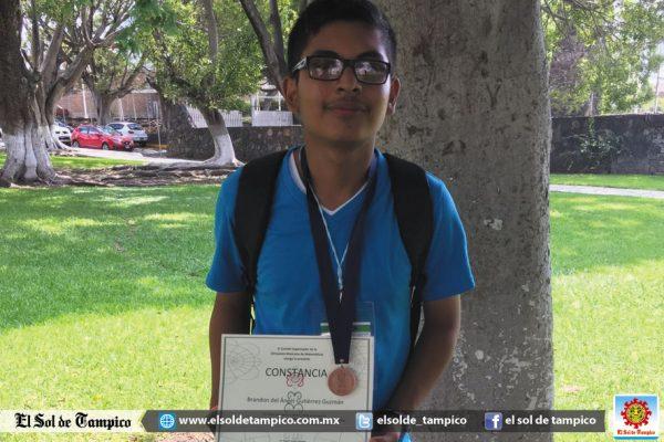 Estudiante Tampiqueño Gana Medalla de Bronce