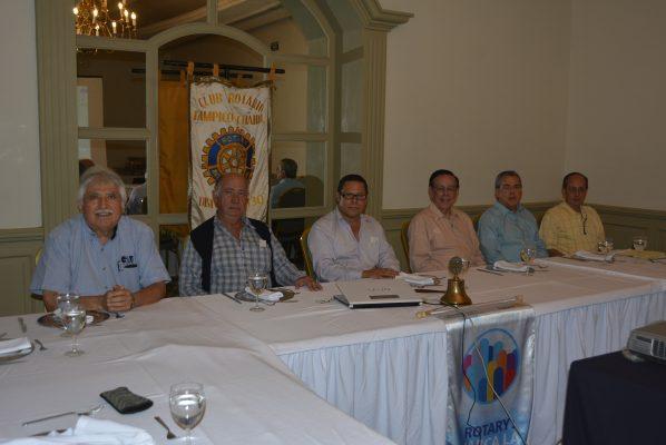 Tienen Interesante Sesión de Trabajo los Socios Rotarios Tampico Chairel