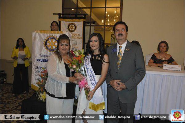 Rotarias Metropolitanas en cena de gala cambian de mesa directiva