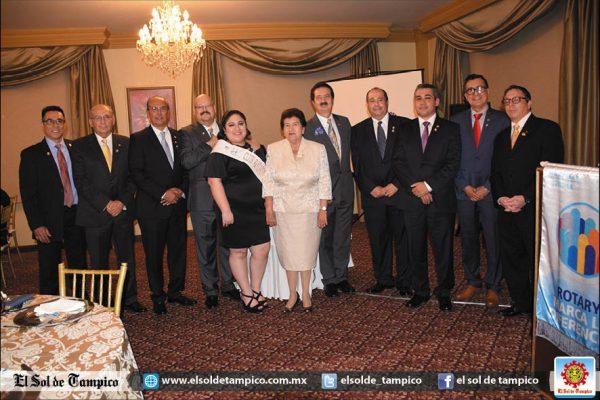 Rotarios de Tampico cambian directiva en elegante sesión
