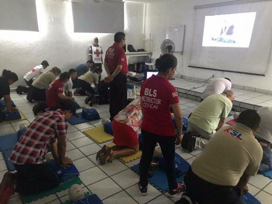 """Cruz Roja pone """"Manos a la Vida"""""""