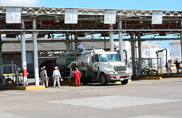 Poco más de 700 millones de combustible distribuyó Pemex Madero