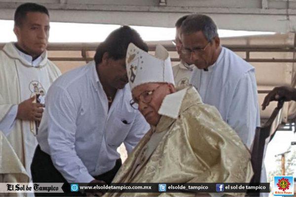 Oficia Obispo Emérito Misa de la Virgen del Carmen