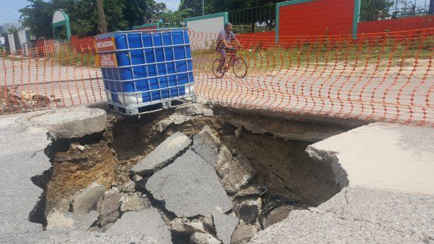Grave riesgo de hundimiento en 14 kilómetros de calles en Madero