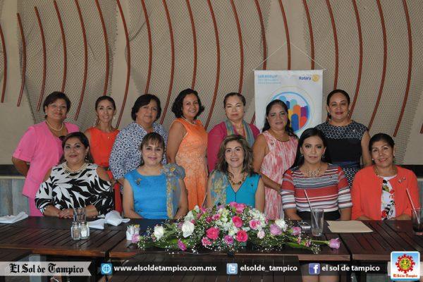 Elegante reunión de las Rotarias de Madero