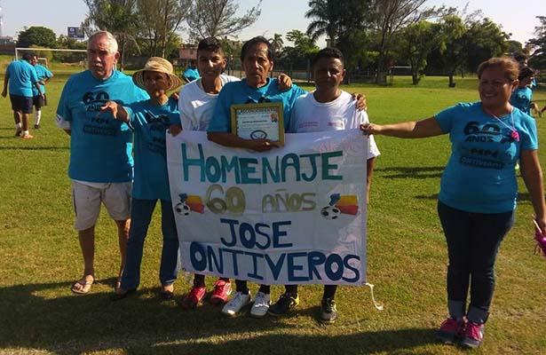 Merecido Homenaje a José Ontiveros por 60 años en el arbitraje