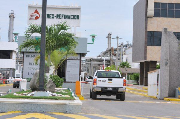 Pemex se ampara para no pagar impuesto predial