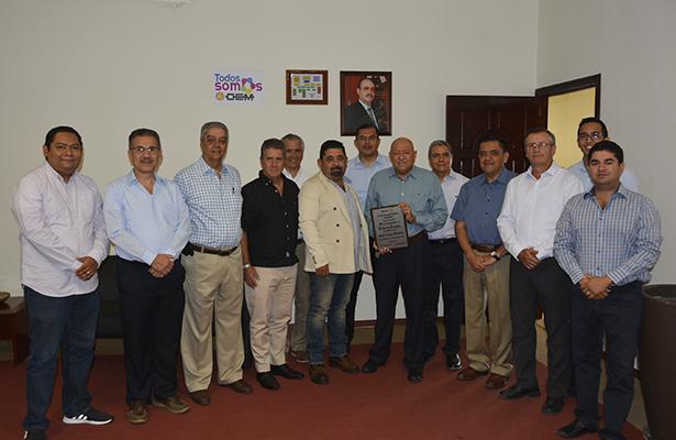 Entrega Club Rotario Tampico Campestre reconocimiento a El Sol de Tampico