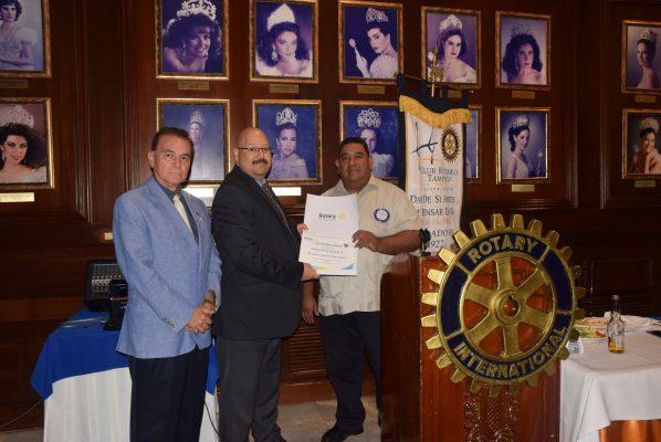 Rotarios de Tampico Sostienen Interesante Sesión de Trabajo