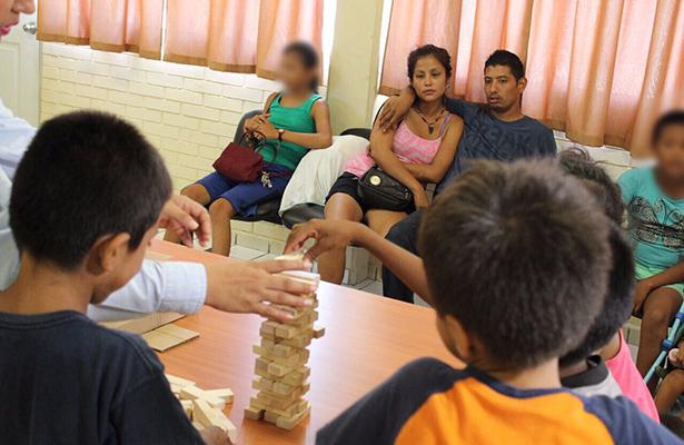 Atiende DIF Tampico a visitantes que pernoctaron en el parque Lomas de Rosales
