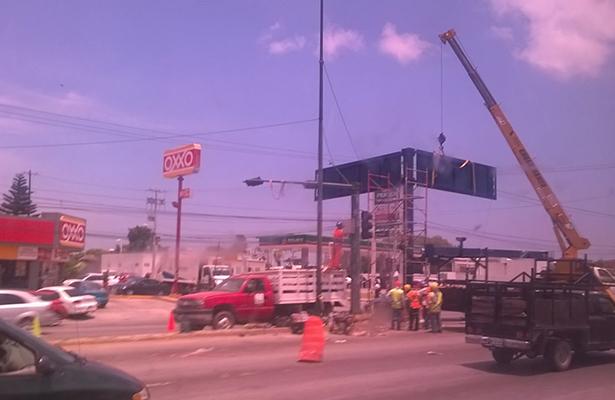 Cambian semáforos en conflictivo crucero vial