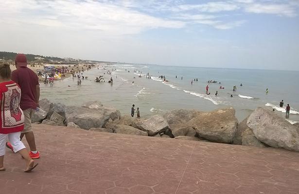 En completa calma Playa Miramar