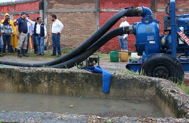AZ supervisa bombeo de zonas inundadas