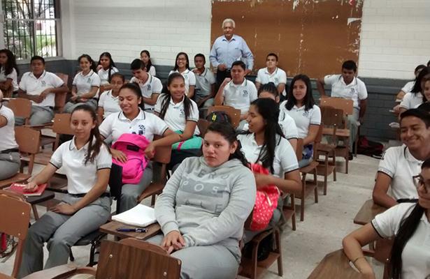 Reciben un curso de nivelación los alumnos de nuevo ingreso al Cbtis 103