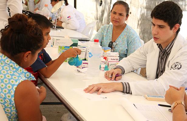 DIF Madero lleva beneficios de la Jornada Médica Asistencial a la colonia 15 de Mayo