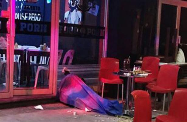 Civiles armados atacan restaurante; un muerto y dos lesionados