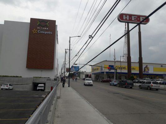 Cables en Av. Ejército Mexicano son un peligro latente