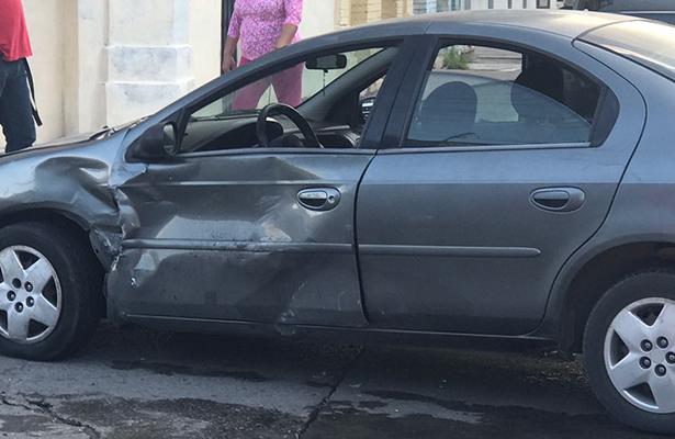 Carro de ruta choca contra auto particular en la Cascajal