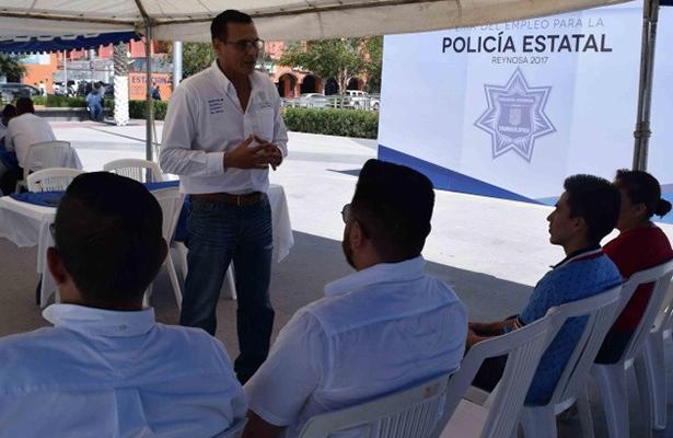 Más aspirantes a la Policía Estatal en la Quinta Feria del Empleo