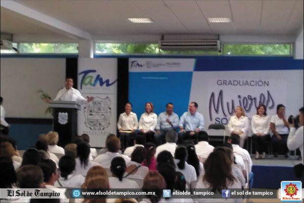 """""""Temas de infraestructura traté con Enrique Peña Nieto"""": Cabeza de Vaca"""