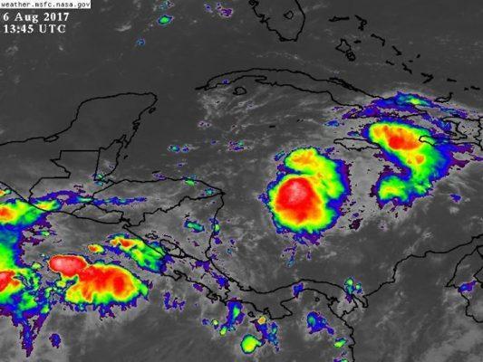 Baja presión que afecta a el Caribe mexicano es propensa a convertirse en huracán