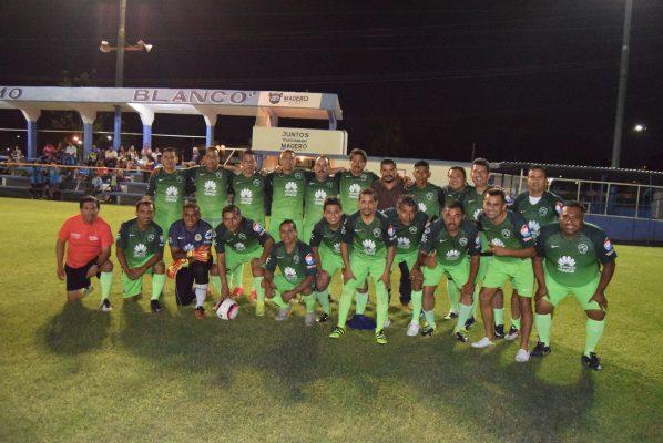 """""""Correcaminos"""", Campeón en el Futbol Nocturno de la Liga de """"El Polvorín"""""""
