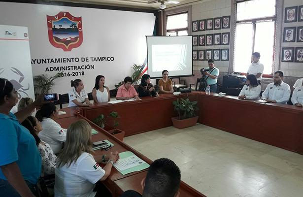 Concluye el curso de Atención al Público en Tampico