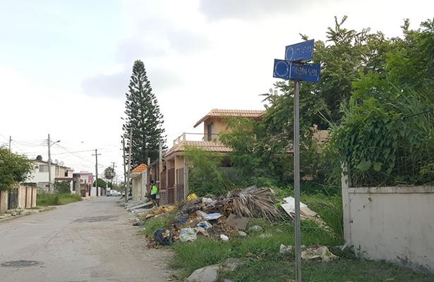 Avanza la limpieza en canales en Madero